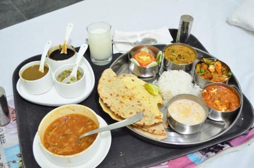 Veg Thali - Bombay Grill Milton